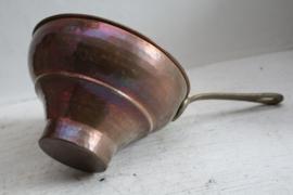 Antieke roodkoperen chocolade pan / chocolademaker