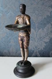 Bronzen (cold painted) zeephouder in de vorm van een Aziaat