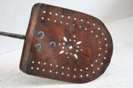 Grote antieke schuimspaan - rood koper