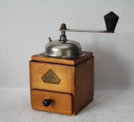 BeHa houten koffiemolen, Duitsland ca 1950