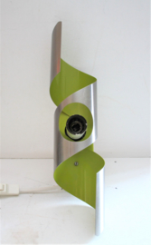 Raak wokkel wandlamp in groen met aluminium