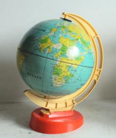 Blikken globe / wereldbol, Nederlands - ca 1950