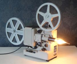 Vintage Eumig projector omgebouwd tot industriële lamp