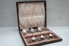 Set van zes zilveren theelepels - 1942
