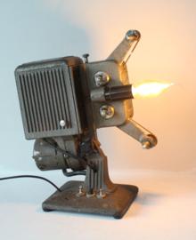 Kodak Kodascope 8 filmprojector omgebouwd tot industriële lamp