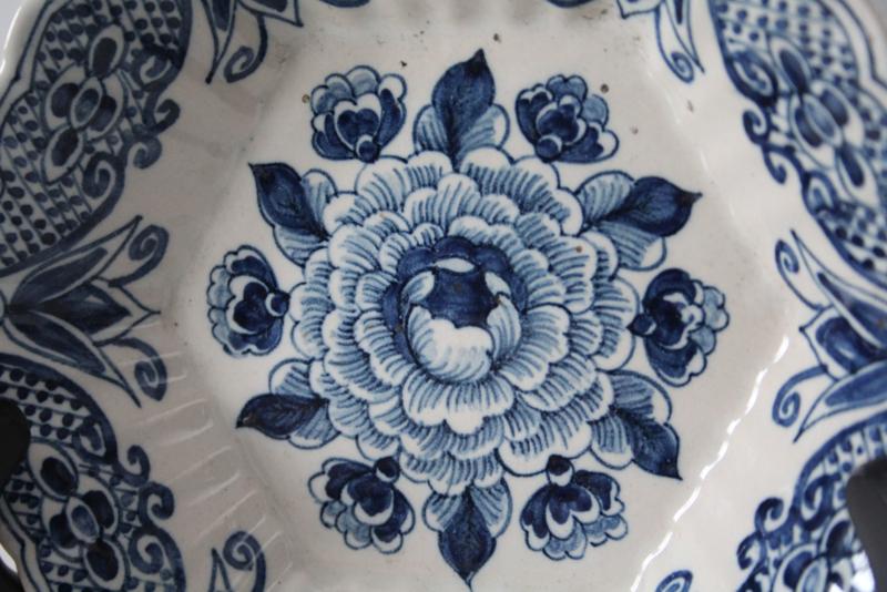 Antiek Delfts Blauw Merktekens.Koninklijke Tichelaar Makkum Hexagonaal Geplooid Bordje Delfts