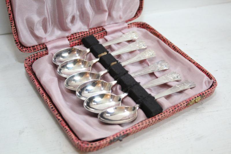 Set van 6 zilveren theelepels in cassette, 1934 Sheffield VK