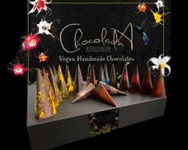 Medium - Luxe 100% vegan bonbons  - Assortiment van vegan, lactose en glutenvrije luxe chocolade (30 stuks)