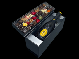 Champagne en Chocolade: Luxe Bepin de Eto Prosecco Spumante  met handgemaakte bonbons.