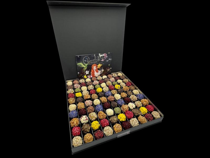 MEGA Luxe cadeaubox handgemaakte Chocoladna truffels (gegarandeerd verkering)