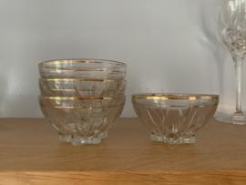 Glazen schaaltjes goud randje 4 stuks