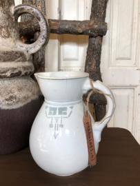Witte aardewerk kan