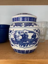 Dekselpot van blauw aardewerk