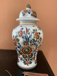 Dekselpot Delfts gekleurd aardewerk