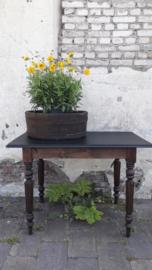 Tafel - donker hout en zwart blad