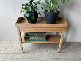 Bijzettafel | Side table - grenen hout