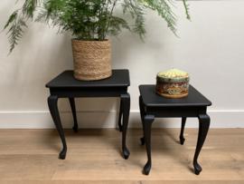 Twee bijzettafeltjes zwart
