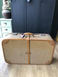 Koffer, lichtbruin|geel met riem