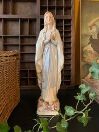 Maria beeldje kleur