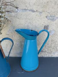Emaille kan Grieks blauw