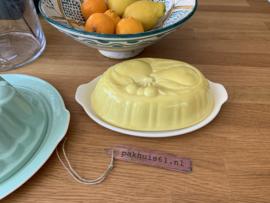 Puddingvorm met schotel geel