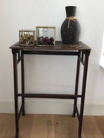 Side table | Bijzettafel | Wandtafel