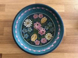 Houten bord met bloemen