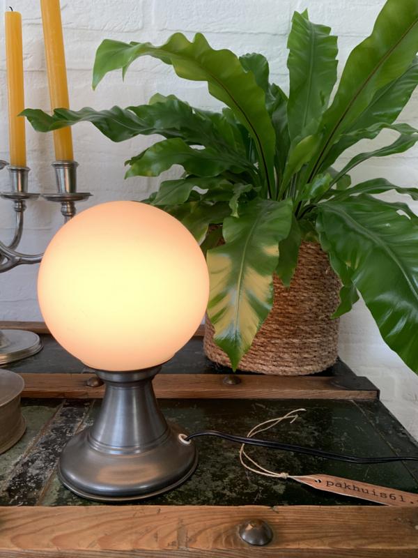 Tafellampje tin met glazen bol