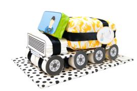 Pampertaart - luiertaart vrachtwagen oker