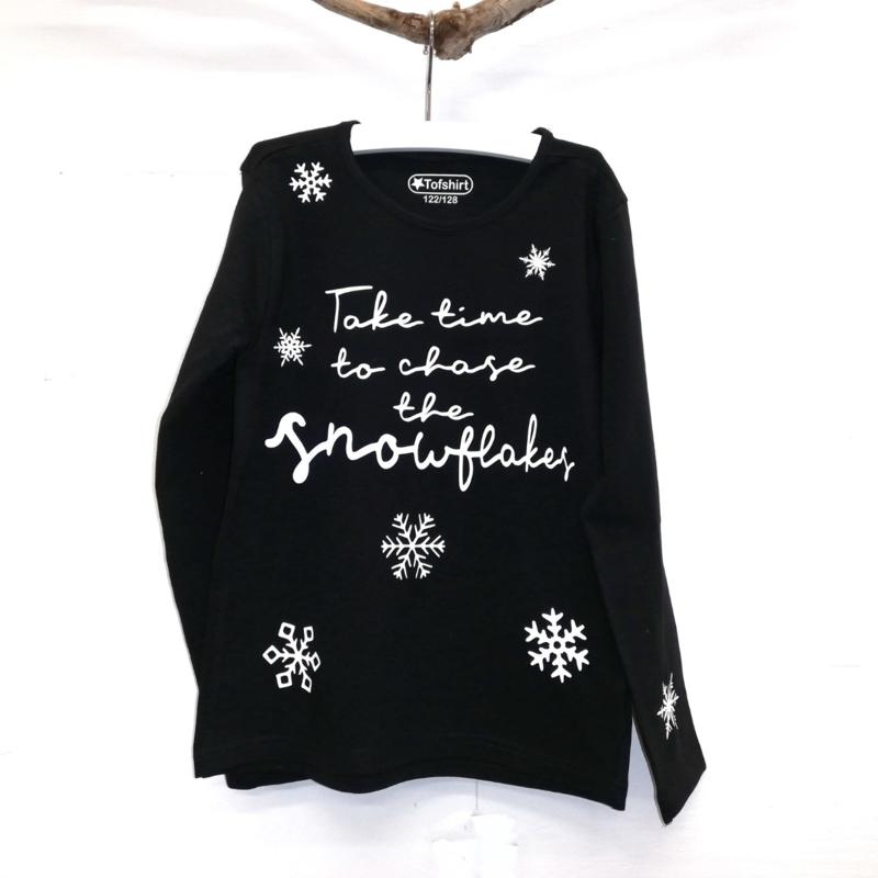 Baby/Kids Shirt Chase Snowflakes