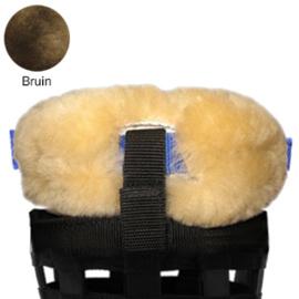 Merino schapenvacht neus en kin beschermer voor losse graaskorf - Bruin