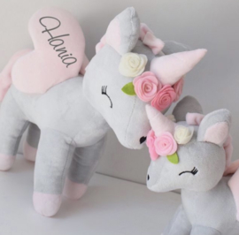 Unicorn grijs/roze met bloemen M