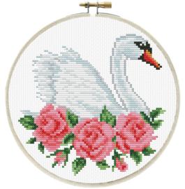 ROSE SWAN - LADYBIRD (inclusief houten borduurring)