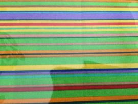Kleine Fat Quarter 50 x 50 cm  Groen met gekleurde  streep.