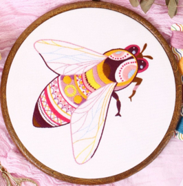 Bee - Embroidery (Bij)