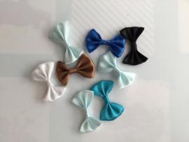 Zakje met bow tie strikjes