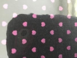 Kleine Fat Quarter 50 x 50 cm  Zwart met rose  hartjes