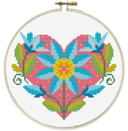 FLORAL HEART - LADYBIRD (inclusief houten borduurring)