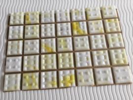 Mozaïeksteentjes 2 x 2cm (35 stuks) geel/wit