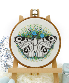Butterfly (2) - Embroidery (Witte Vlinder)