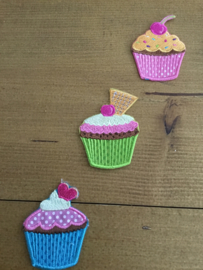 Applicaties cupcakes 3/zakje 4 x 6cm