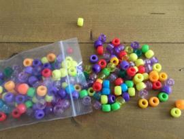 Plastic kralen 6mm gemengde kleuren 50 gr/zakje