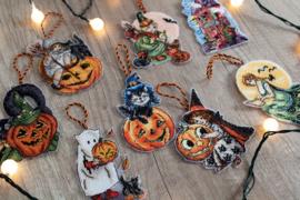 Borduurpakket LETI 8008 Toys Kit Halloween (8 stuks) met plastic stramien