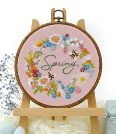 Spring Wreath - Embroidery (Lentekrans)