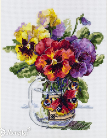 BOUQUET: PANSIES AND BUTTERFLY