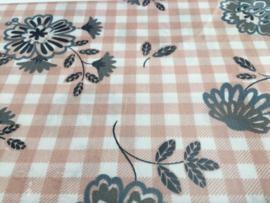 Fat quarter 100% katoen. Rose/Blauwe bloem. 50 x 55cm