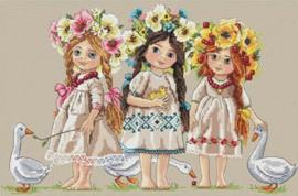 LITTLE GIRLS: FRIENDS