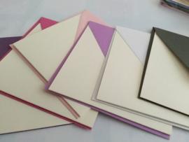Set van zes ecru kaarten met gekleurde envelop