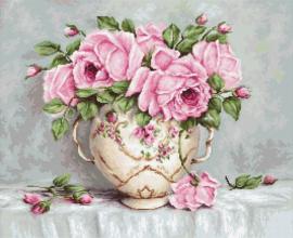 PINK ROSES (aida)