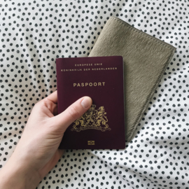 TAUPE PASSPORT COVER